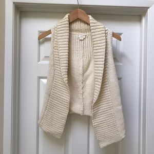 Chunky knit cream sweater vest by Theory.